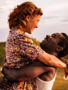 Aşkın Krallığı – A United Kingdom filmini izle 2016